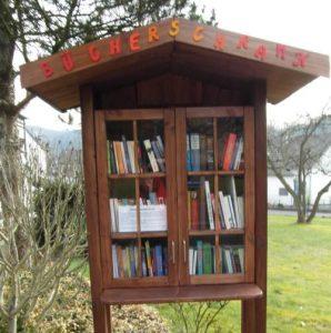 Foto Bücherschrank